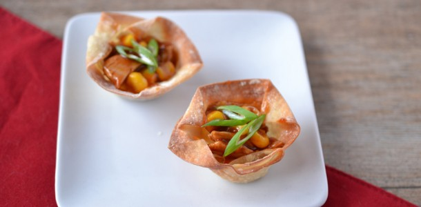 Barbecue chicken and corn wonton cups